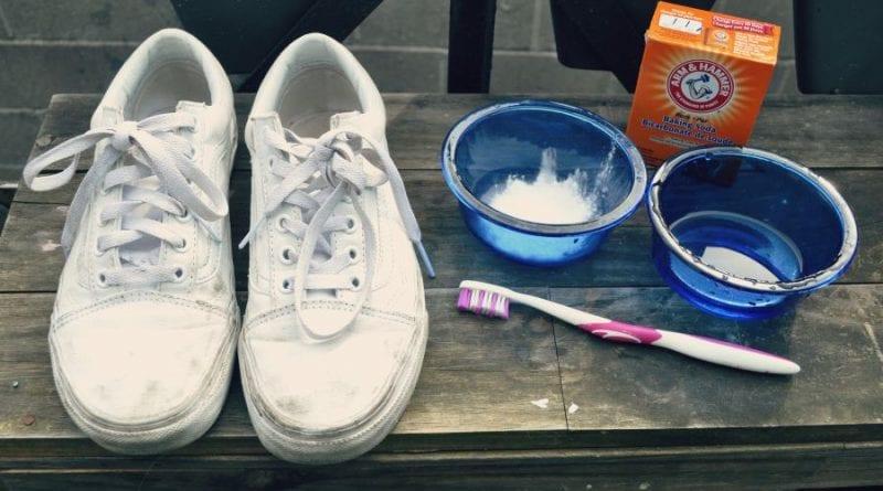 8 способов отмыть белые кроссовки и сделать их как новые