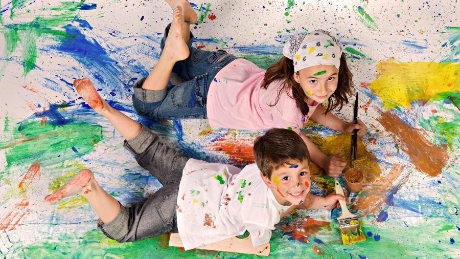Чем вывести краску с одежды в домашних условиях