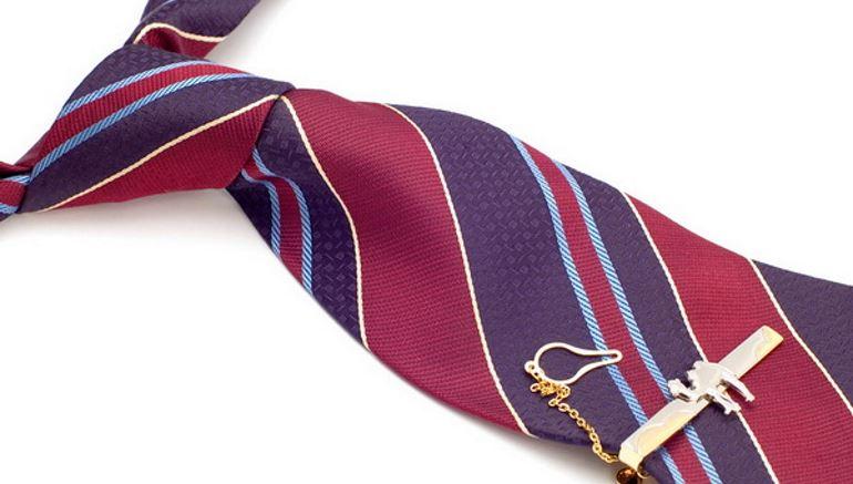 Правила стирки галстука