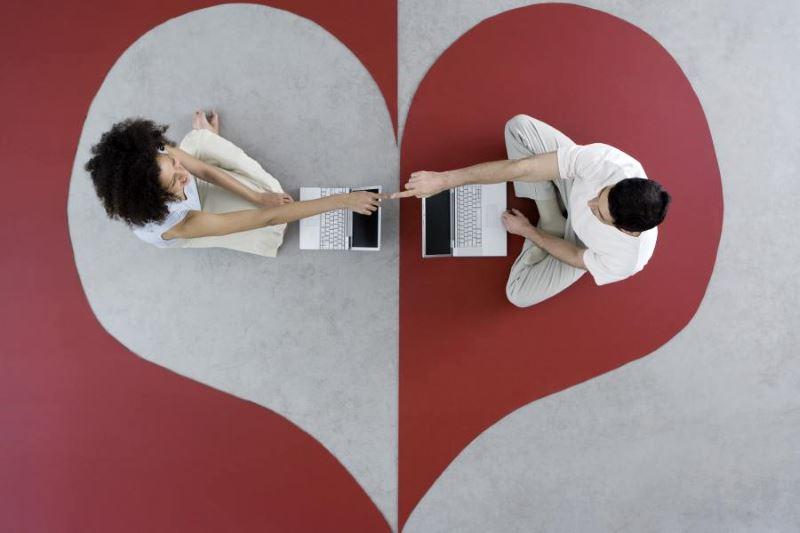 Как познакомиться с девушкой в интернете Знакомства с девушками в интернете и на сайтах знакомств