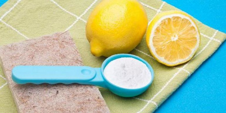 Методы очистки пятен от черники