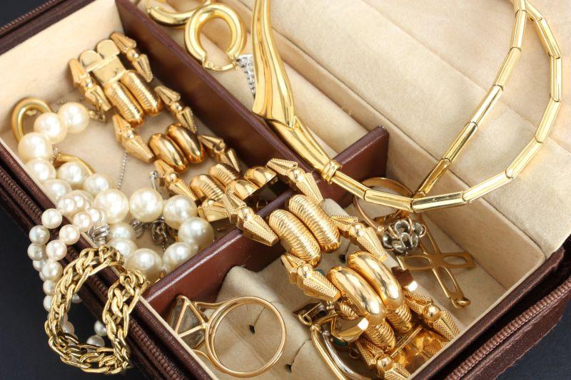 Почистить золото нашатырным спиртом в домашних условиях