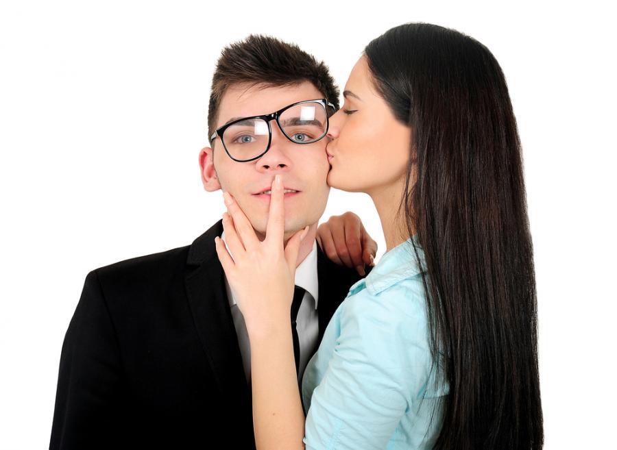 Как заставить мужчину думать о тебе