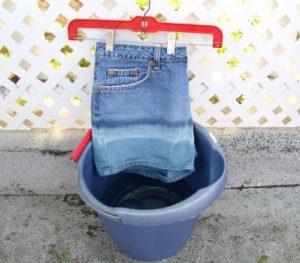 Как осветлить джинсы в домашних условиях? 9 методов отбелить ткань