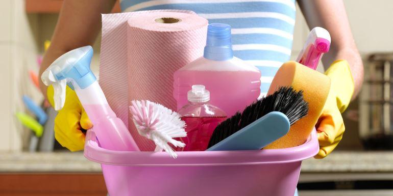 Чем отстирать мазут с одежды, робы: 7 действенных способов