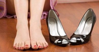 Как избавиться от окрашивания ног обувью