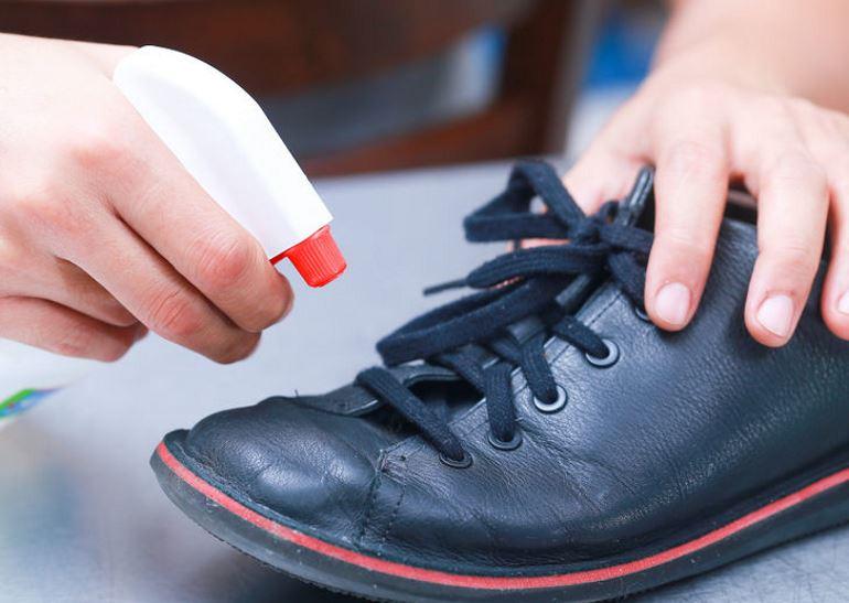 Народные средства для смягчения обуви