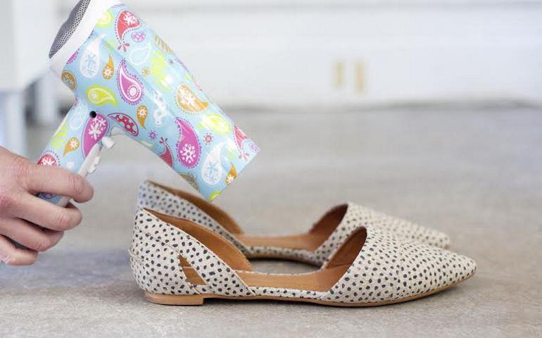 Как растянуть обувь из кожзаменителя