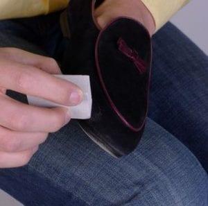 Как растянуть обувь из замши