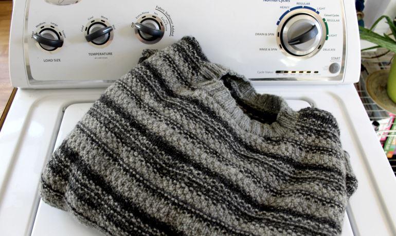 Стираем шерстяную одежду