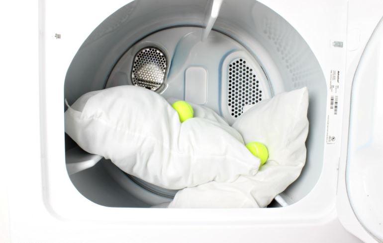 Особенности стирки подушек в стиральной машине