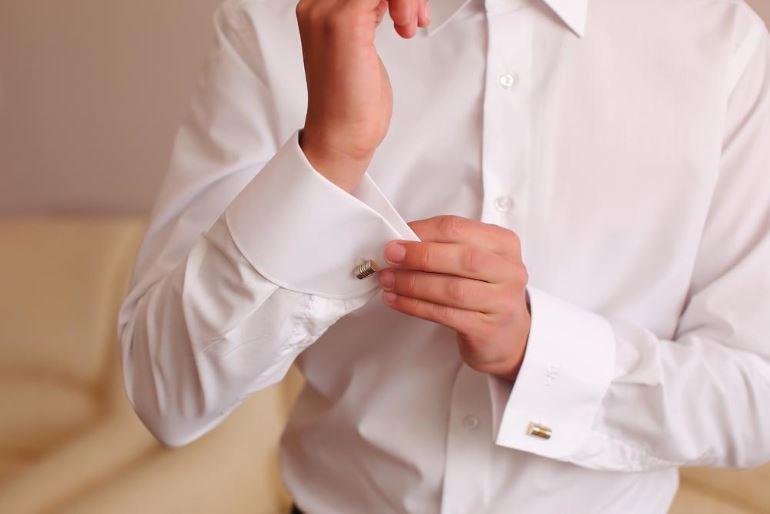 Как постирать белую рубашку