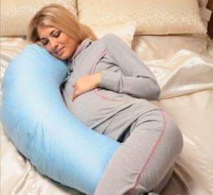 «Бананообразная» подушка для беременных
