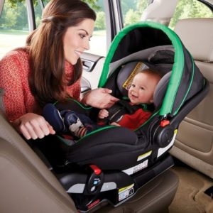Нужна ли автолюлька новорождённому