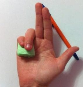 Как держать ручку