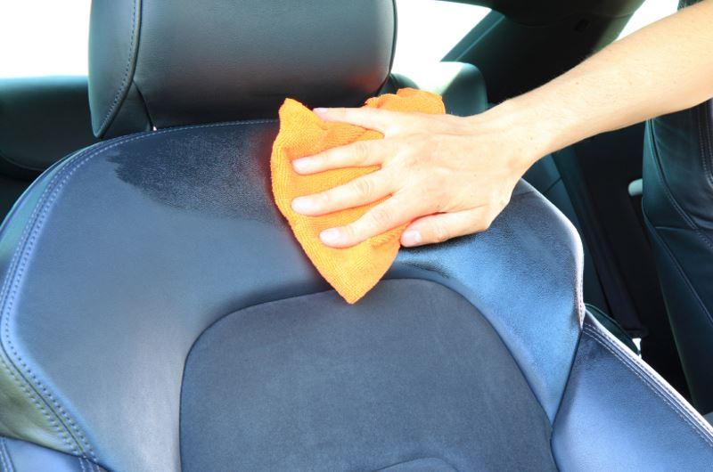 Чем оттереть пятно в машине чтобы сиденье стало как новое