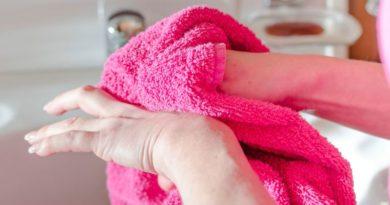 Чем отмыть марганцовку с рук