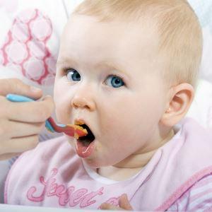 Прикорм малышей в 8 месяцев
