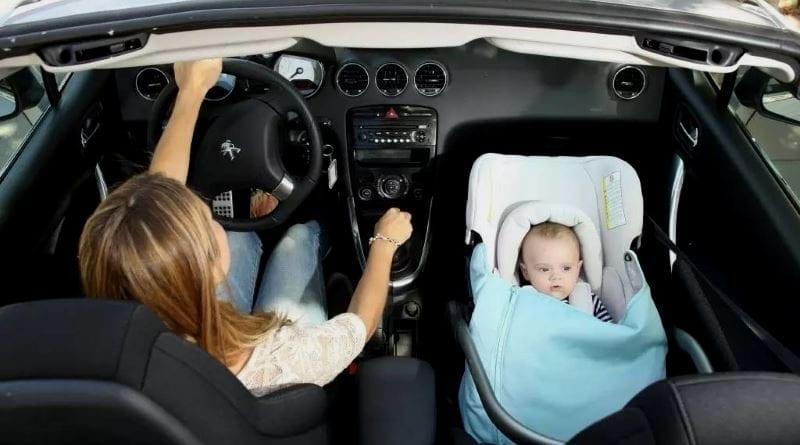Можно ли перевозить детей на переднем сиденье