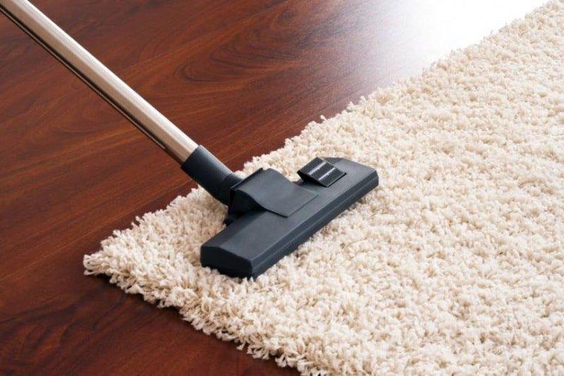 Как очистить ковер в домашних условиях: эффективные способы, полезные рекомендации