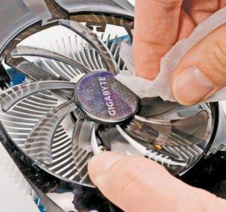 Как чистить компьютер от пыли