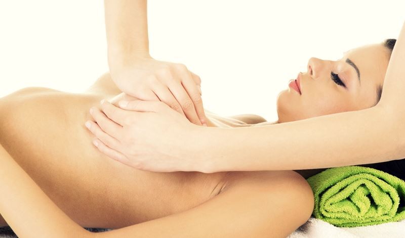 Massage with lactostasis