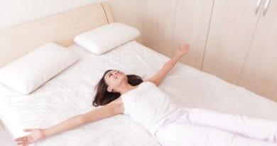 Подбираем ортопедический матрас для кровати по всем правилам