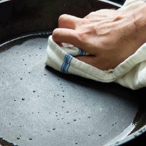 Чистка тефлоновой и керамической сковороды