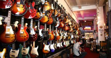 Подробная инструкция по выбору гитары для новичка