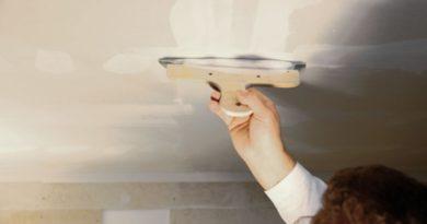 Несколько важных советов, как шпаклевать потолок правильно