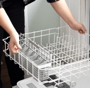 Как удалить из посудомойки остатки пищи