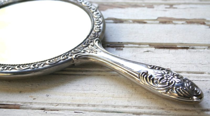 Что делать, если зеркало разбилось
