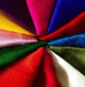 Какую ткань лучше выбрать для создания цветов своими руками