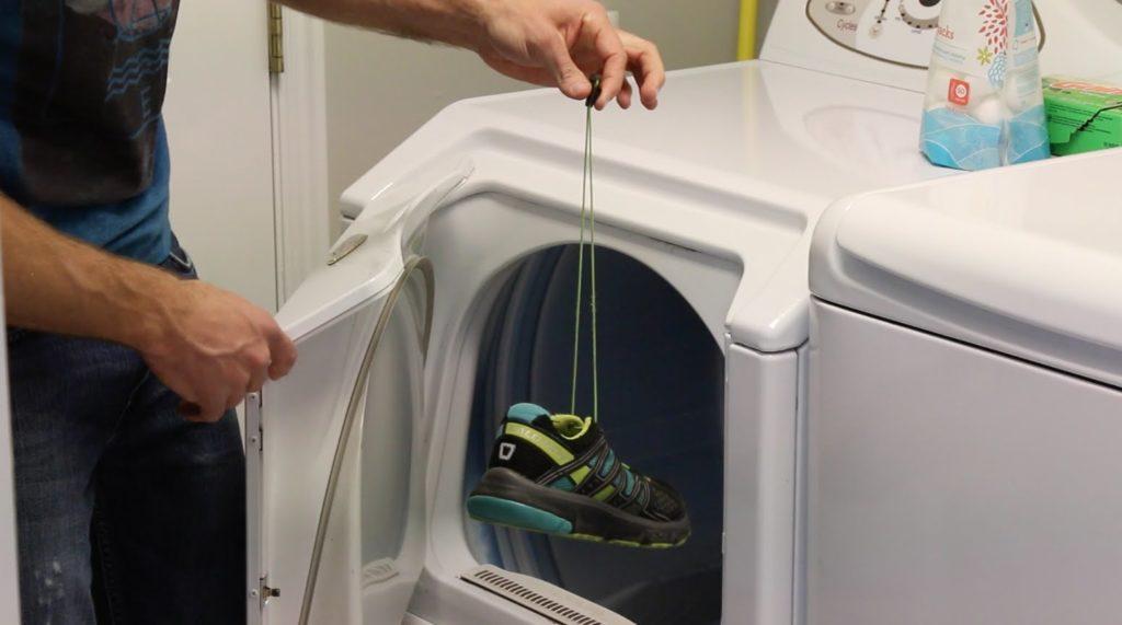 Обувь, которую лучше не стирать в стиральной машинке