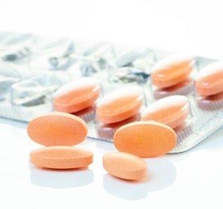 Лечение стафилококка в носу и горле