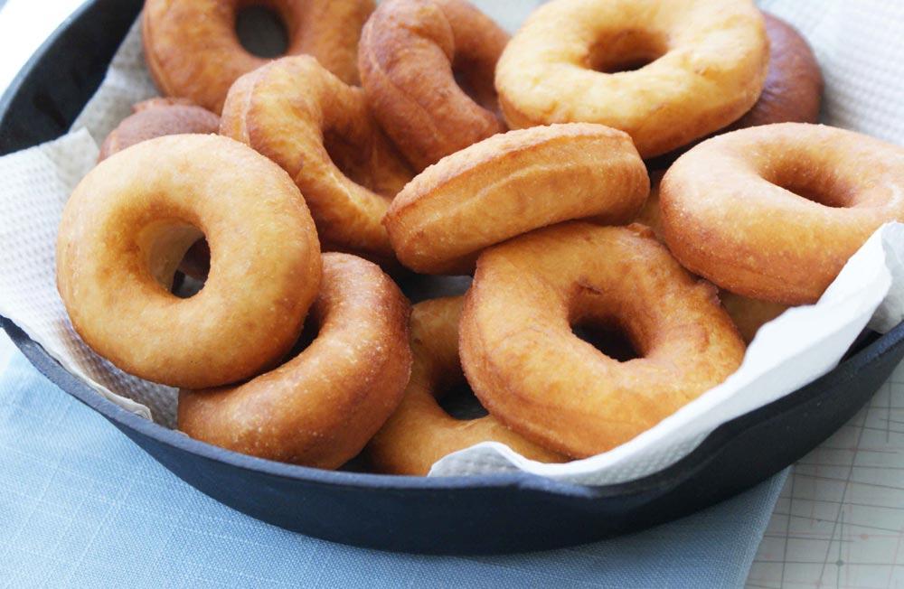 Как приготовить пончики дома?
