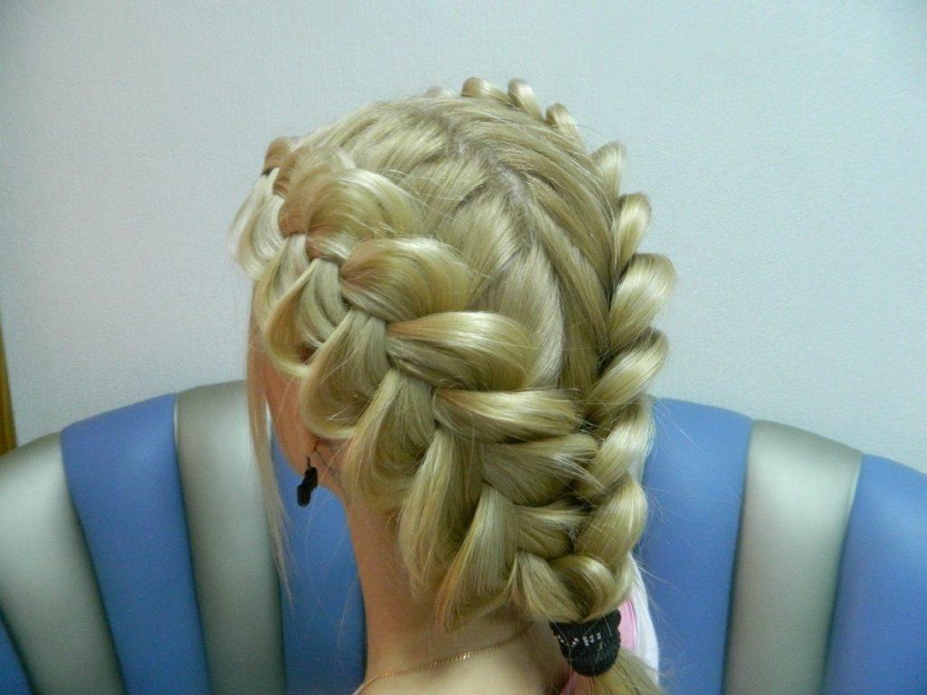 Прически на короткий волос
