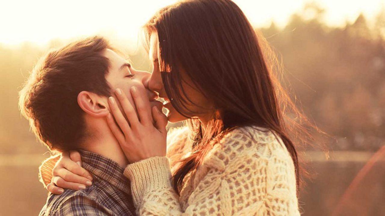 К чему снятся поцелуи Сонник поцелуй во сне