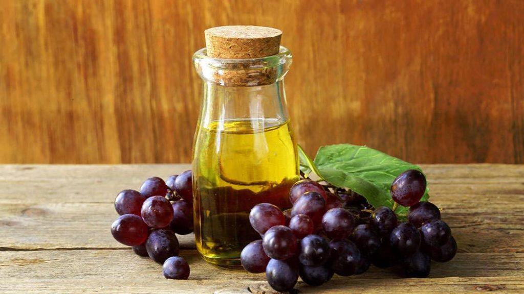 Как получают масло из виноградных косточек?