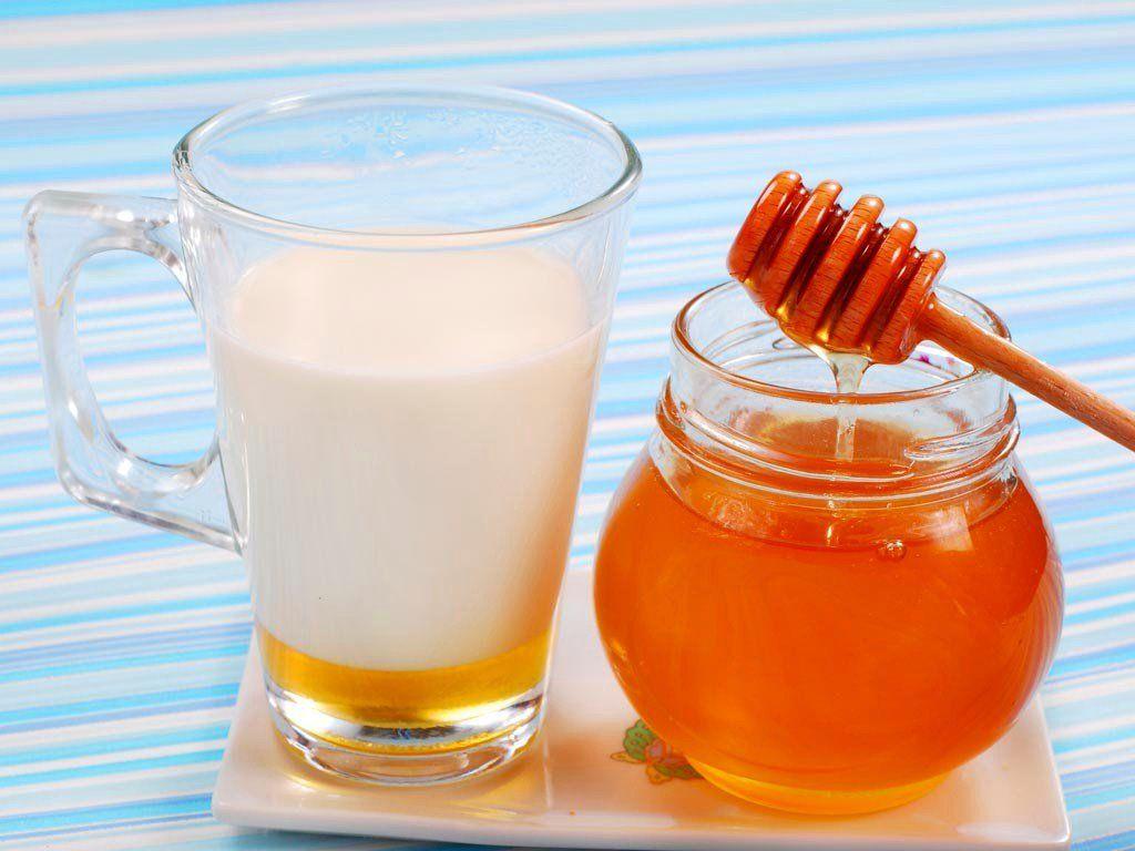Молоко с лимоном и медом