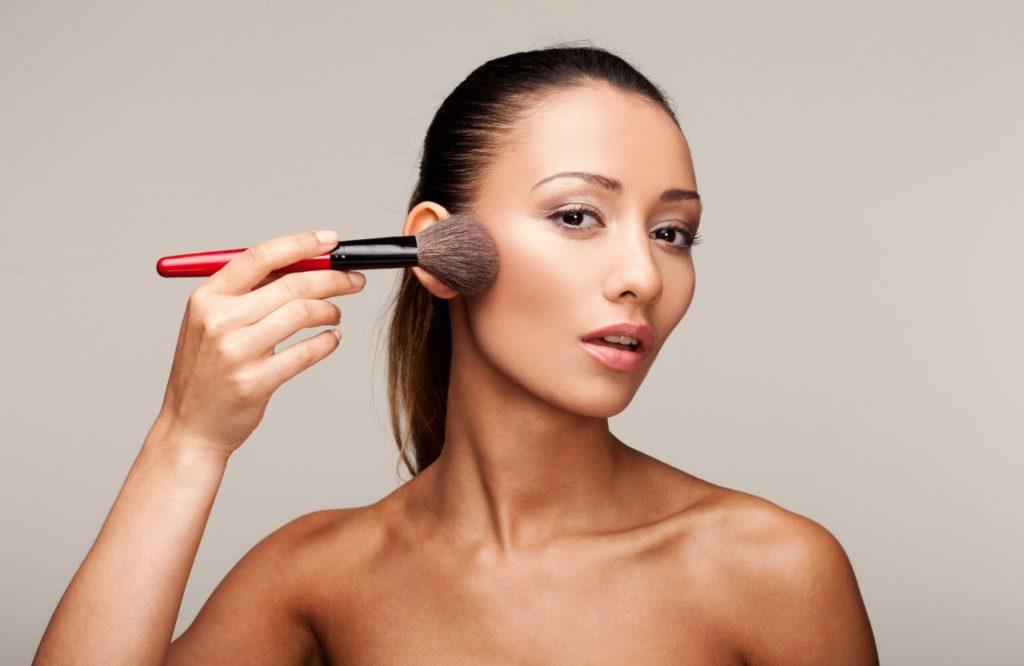 Как правильно наложить макияж на лицо
