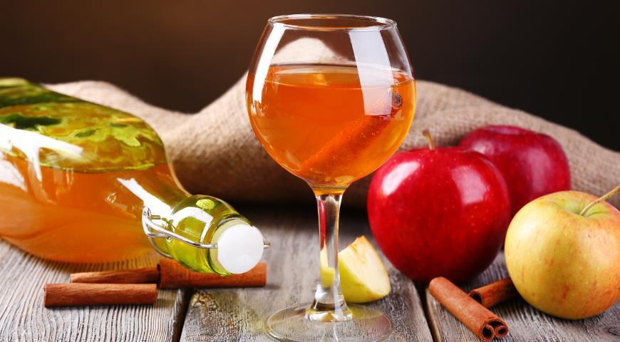 Польза и вред домашнего вина из яблок