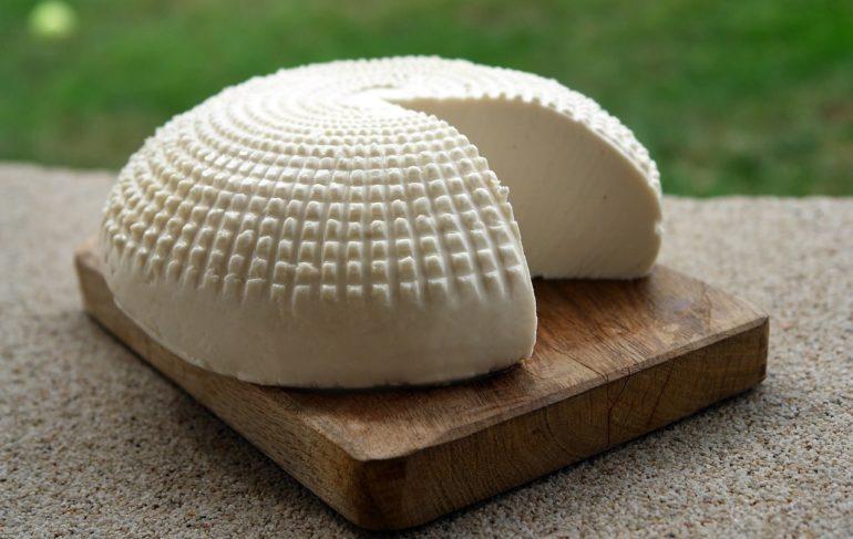 Можно ли сделать полноценный сыр в домашних условиях