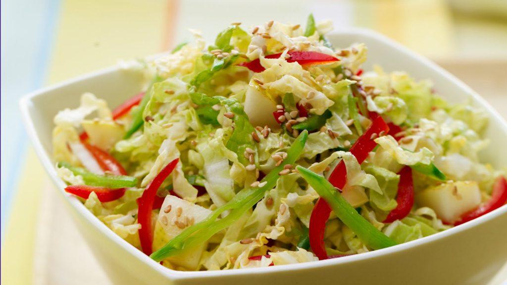 Секреты приготовления салата с пекинской капустой