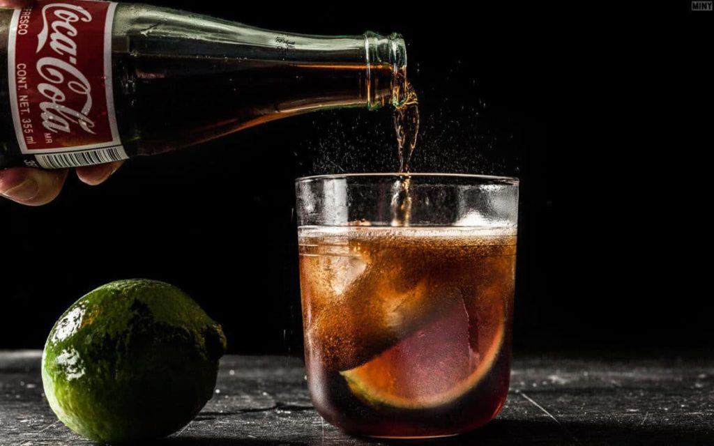 Напиток с колой