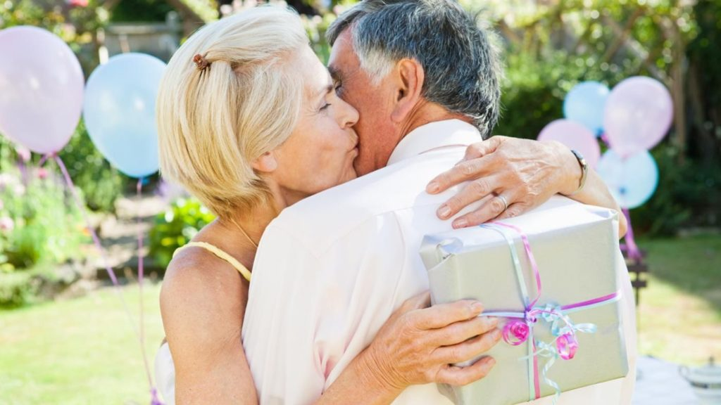30 years of marriage: what a wedding, what to give to spouses and how to congratulate