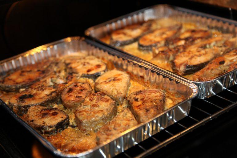 Горбуша, запеченная в духовке с овощами
