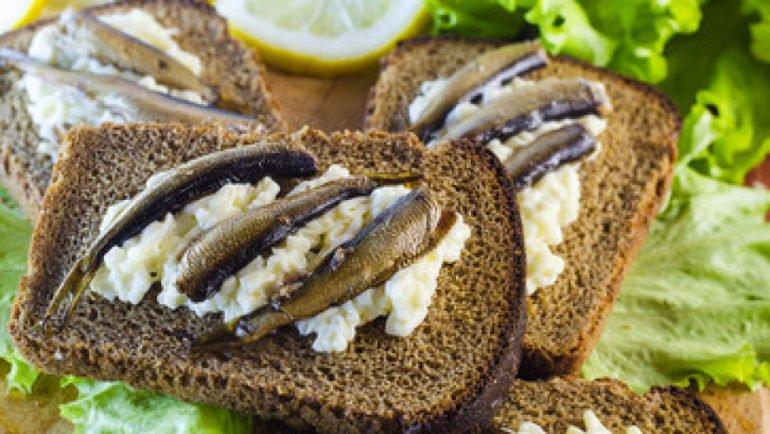 Горячие бутерброды с плавленым сыром