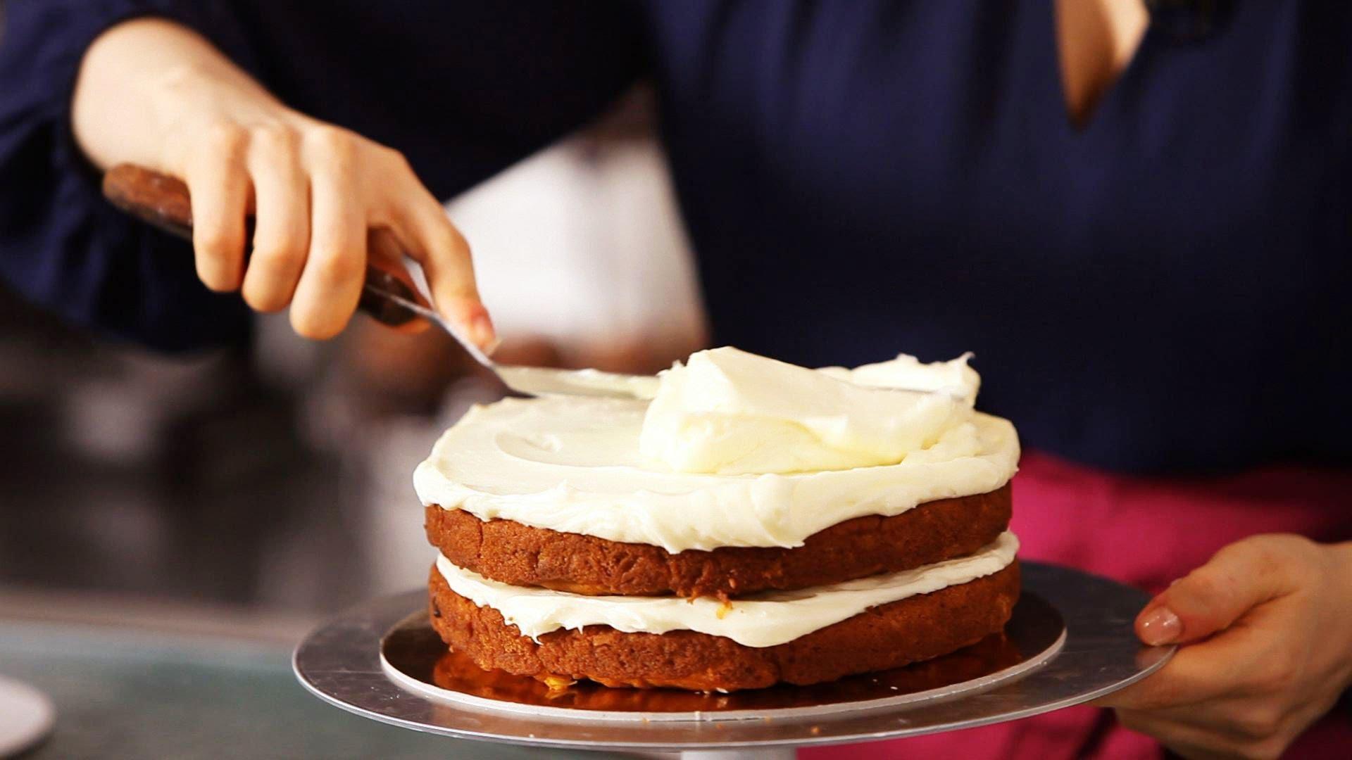 Крем для бисквитного торта: 8 лучших рецептов