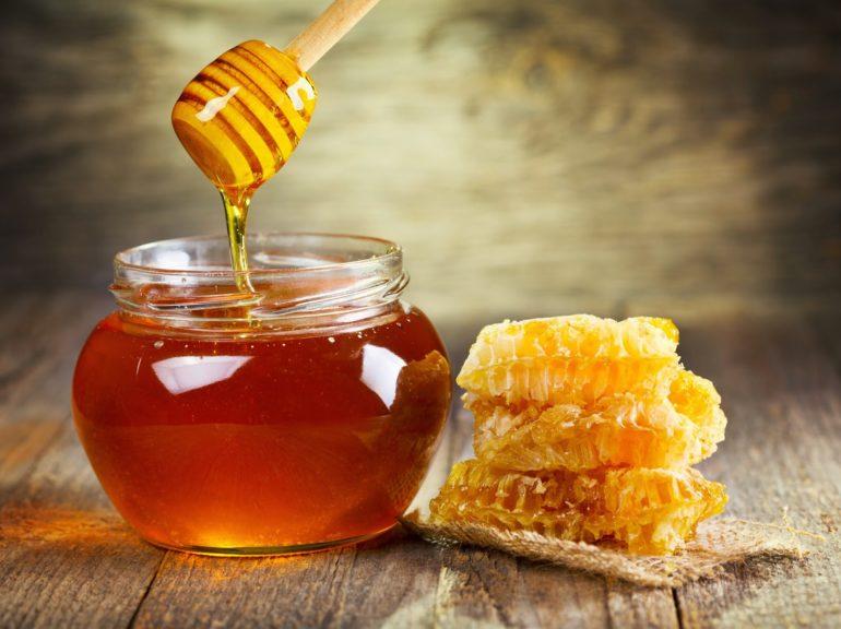 Клюквенный морс с добавлением меда